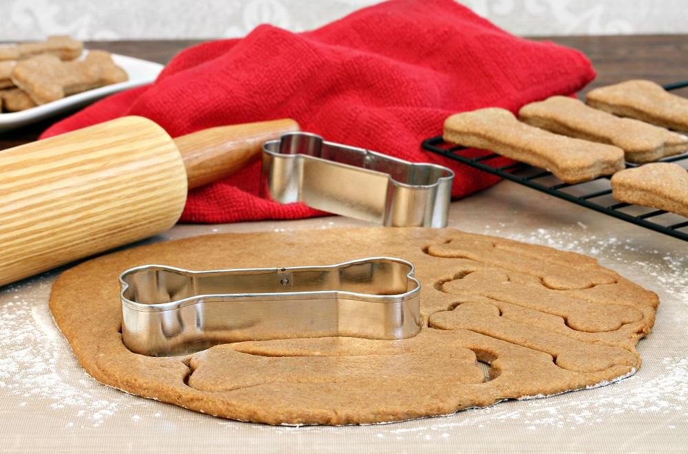 préparation de biscuits pour chien